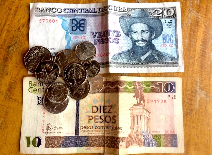 money and note in cuba